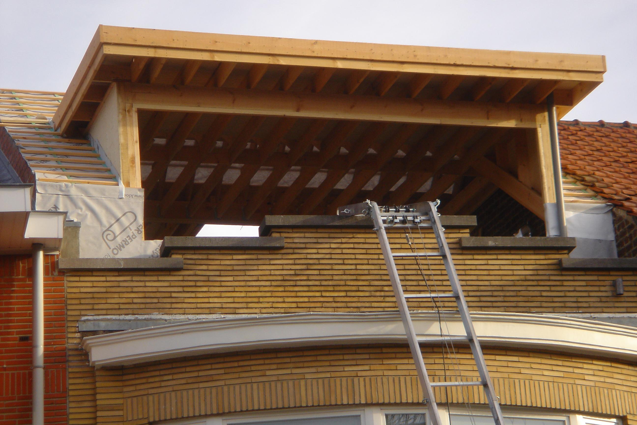 Rehausser charpente good de maison ossature bois par lentreprise de charpente de nicolas lenud for Cout rehausse toiture